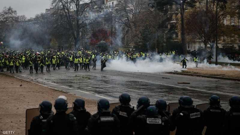 """الشرطة اعتقلت 400 محتج في """"السبت الأسود""""."""