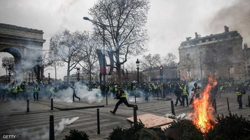 باريس تتحول إلى ساحة معركة