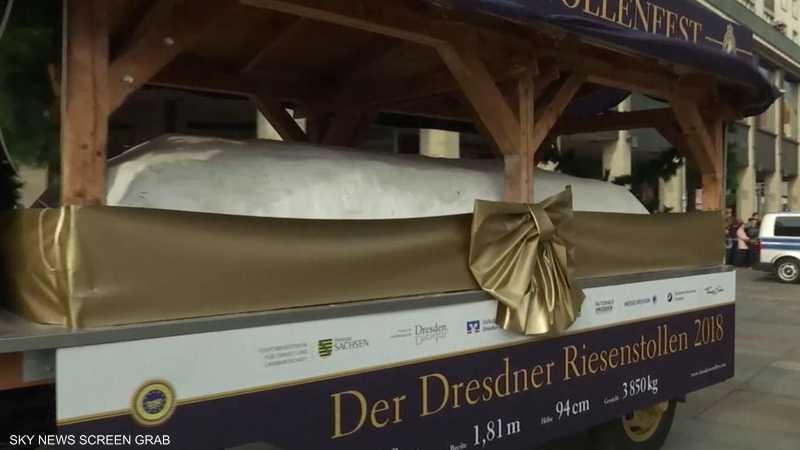 عرض كعكة شتولن عملاقة في موسم عيد الميلاد بدريسدن