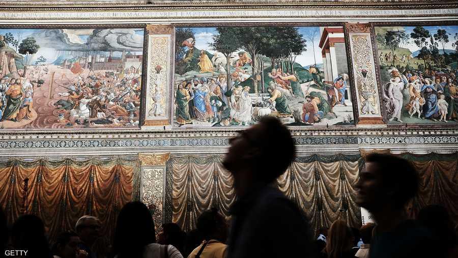يحظر تصوير جداريات كنيسة سيستين