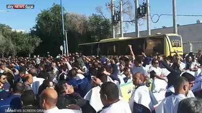بالفيديو.. عمال الأحواز يتحدون النظام الإيراني بـ