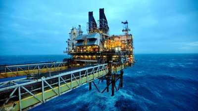 ارتفاع سعر النفط بعد توقعات الإنتاج