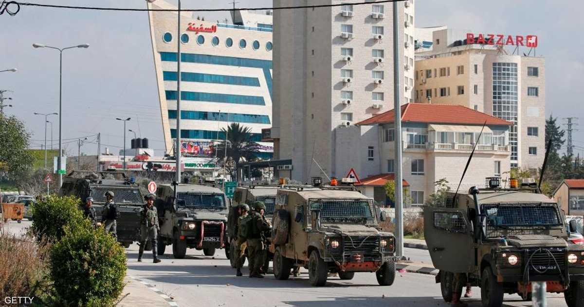 الجيش الإسرائيلي يضرب طوقا على رام الله بعد مقتل مستوطنين
