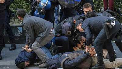 تعذيب واعتقال ومصير مجهول ونذر حرب أهلية.. ماذا يحدث بتركيا؟