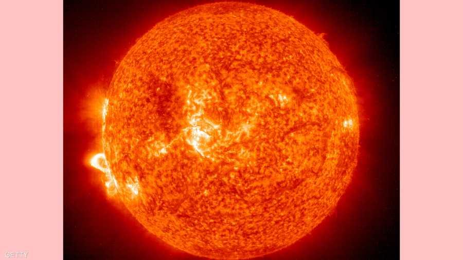 مارس شهد تكون عاصفة شمسية بسبب انفجار ضخم يسمى التوهج الشمسي