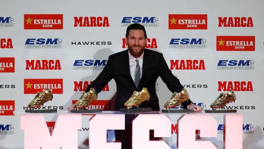 4d26cb1d5 ميسي يتسلّم الحذاء الذهبي.. ويهزم رونالدو | أخبار سكاي نيوز عربية