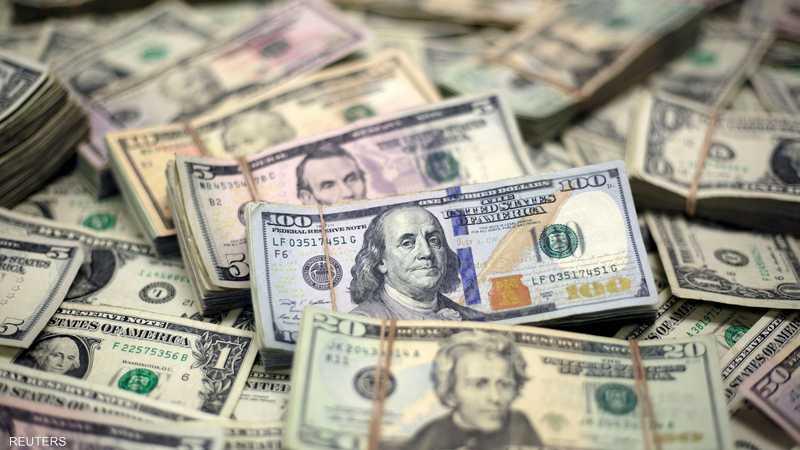 الدولار يتراجع لأدنى مستوى في 10 أيام