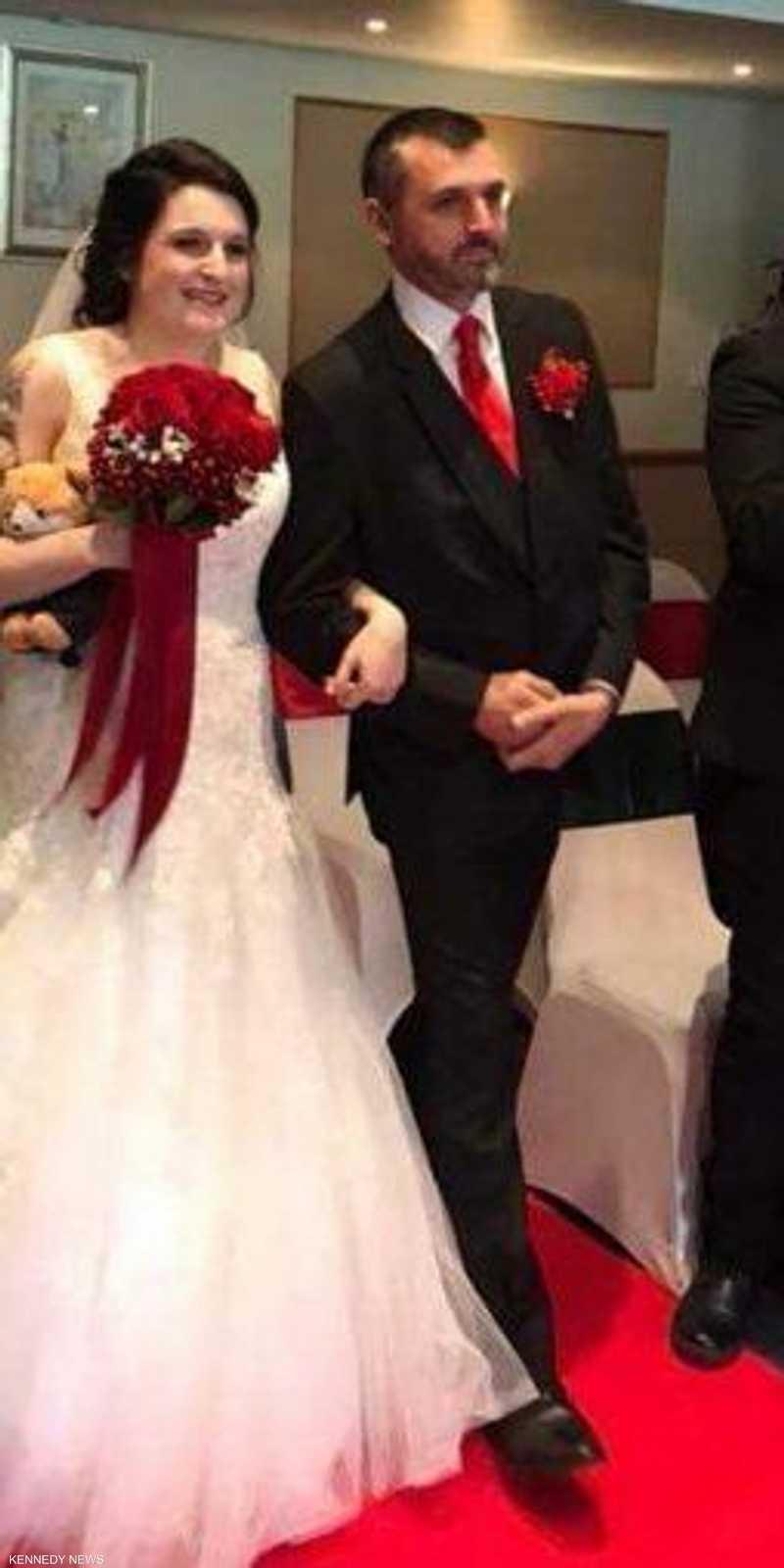 بالصور العروس وعريسها ورفيق ليلة الزفاف أخبار سكاي نيوز عربية