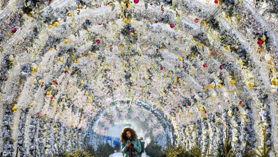 شوارع موسكو تتزين استقبالا للعيد ورأس السنة