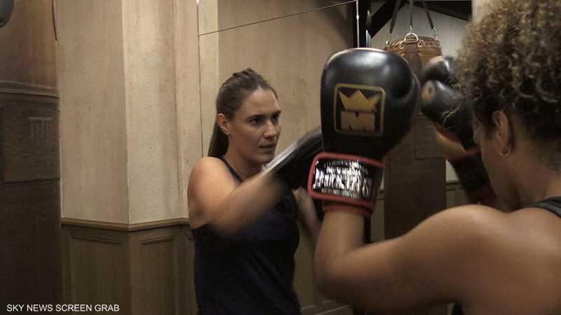 الملاكمة تجذب الموظفين في باريس لتفريغ التوتر