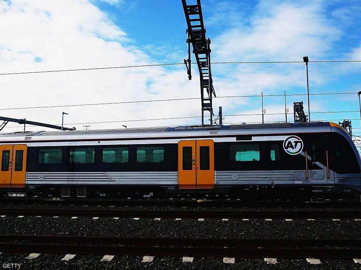 المشروع يقضي بأن يكون القطار على السطح