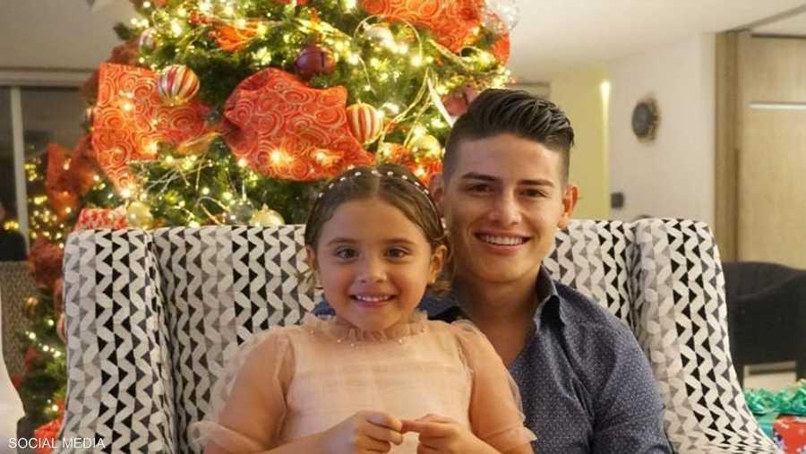 نجم بايرن ميونيخ، خاميس رودريغيز، مع ابنته