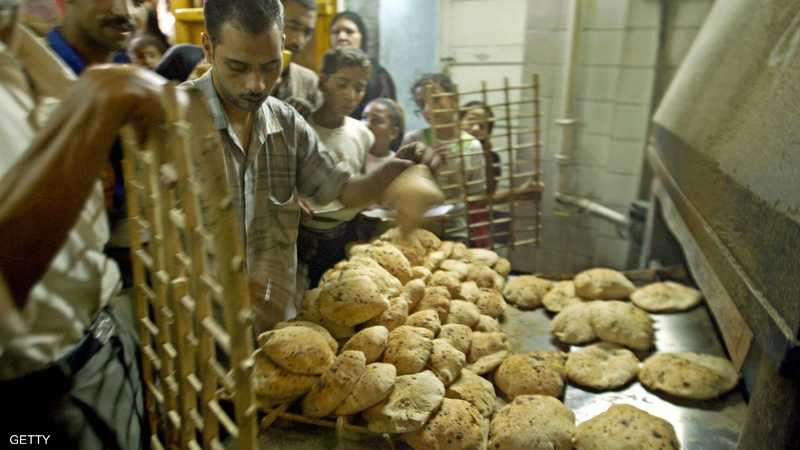 """الحكومة المصرية تحسم """"شائعة الخبز"""""""