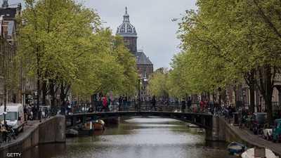 """بعد زحام وضجيج وغلاء.. مدن أوروبية تريد """"التخلص من السياح"""""""