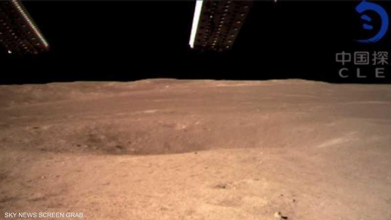 لحظة هبوط المركبة الصينية على القمر