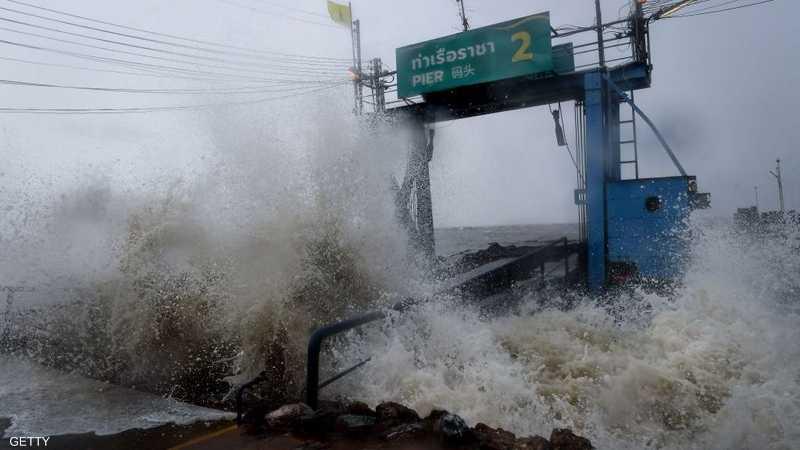 ارتفاع الأمواج يتراوح بين 3 إلى 7 أمتار في خليج تايلاند