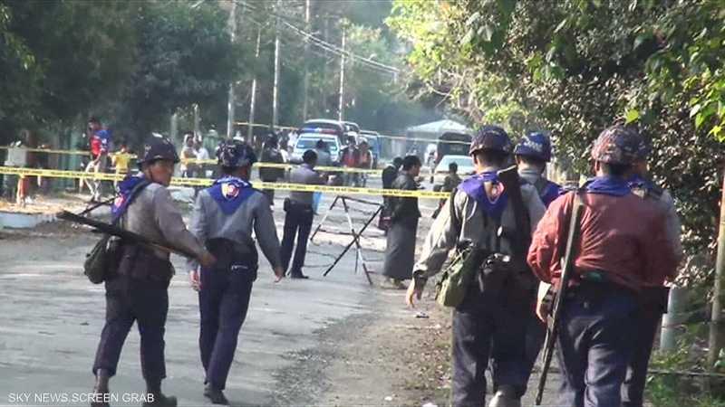 ميانمار موجة نزوح كبيرة بسبب القتال في راخين