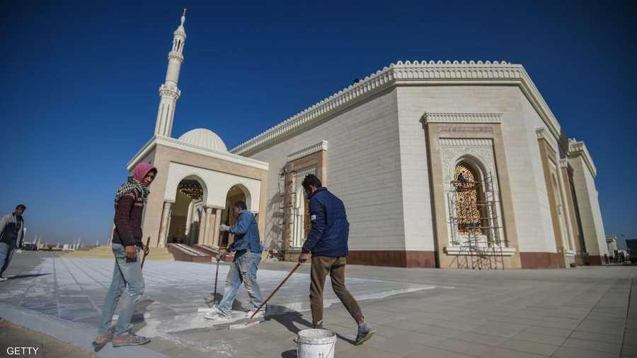 استغرق بناء المسجد والكاتدرائية 18 شهرا.