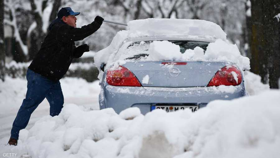 وقتل متزلجان ألمانيان في انهيارات ثلجية في منطقة فورارلبيرغ الغربية الأحد، بينما قتل متزلج سلوفيني في منطقة سالزبورغ، بحسب أجهزة الإنقاذ.