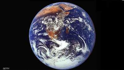 دراسة: بوصلة الأرض تنحرف سريعا وتغير وجه الملاحة بحرا وجوا