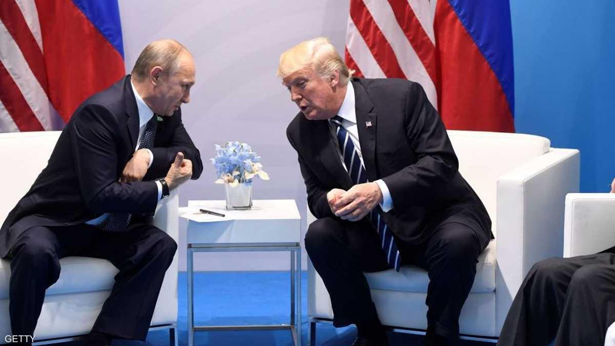 """ترامب عمد """"بشكل غير طبيعي"""" لإخفاء تفاصيل محادثاته مع بوتين"""