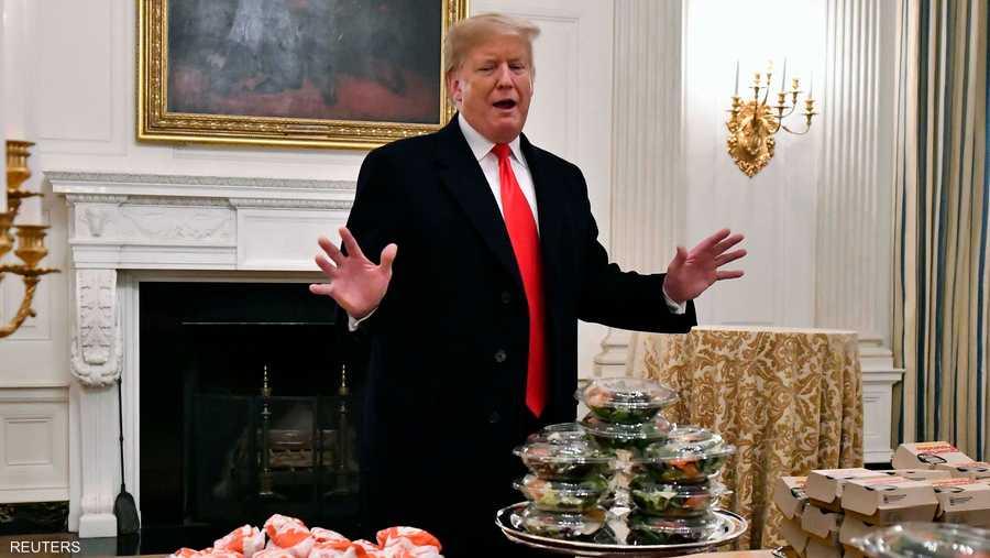 """وفي وقت سابق، انتقد ترامب الديمقراطيين لعدم التفاوض من أجل إنهاء إغلاق الحكومة الجزئي، وقال إنه """"ليس في عجلة من أمره لإعلان حالة الطوارئ الوطنية""""."""