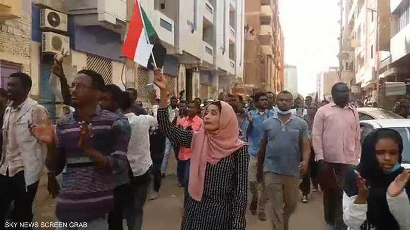 مظاهرات السودان بين تصعيد الشارع ومحاولات الاحتواء