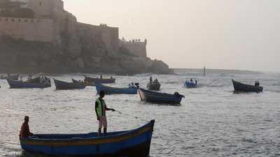 إنقاذ 30 صيادا مغربيا علقوا في البحر