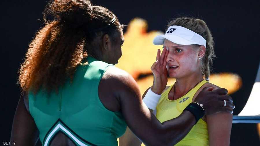 تأهلت الأميركية سيرينا وليامز إلى الدور الرابع في بطولة أستراليا المفتوحة للتنس بانتصار ساحق 6-2 و6-1 على الأوكرانية الشابة ديانا ياسترمسكا.