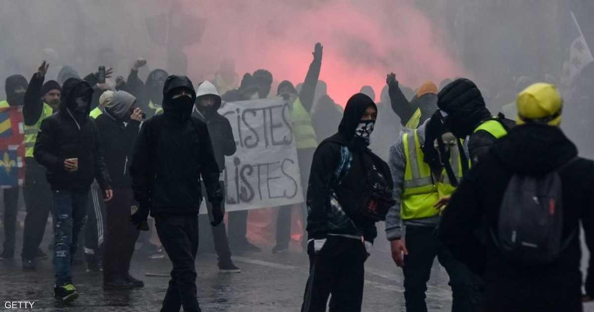 فرنسا.. اشتباكات تنهي أسبوع السترات الصفراء العاشر