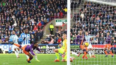 """مانشستر سيتي يلاحق ليفربول ويعيد """"فارق الـ4 نقاط"""""""