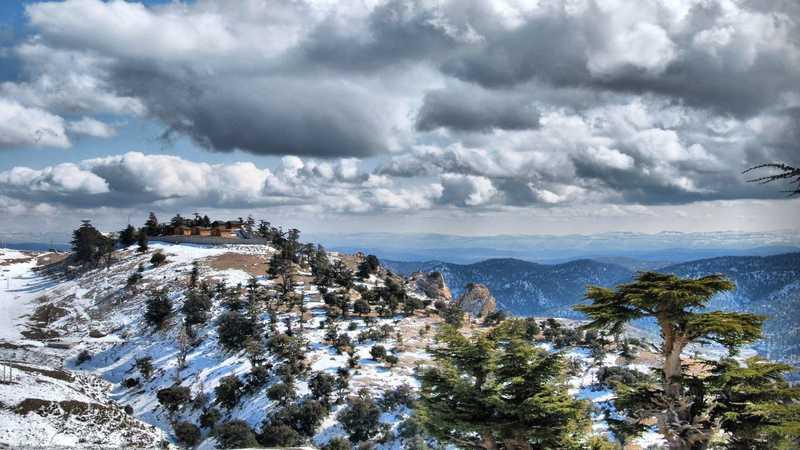 الثلوج تغطي جبال ولاية باتنة