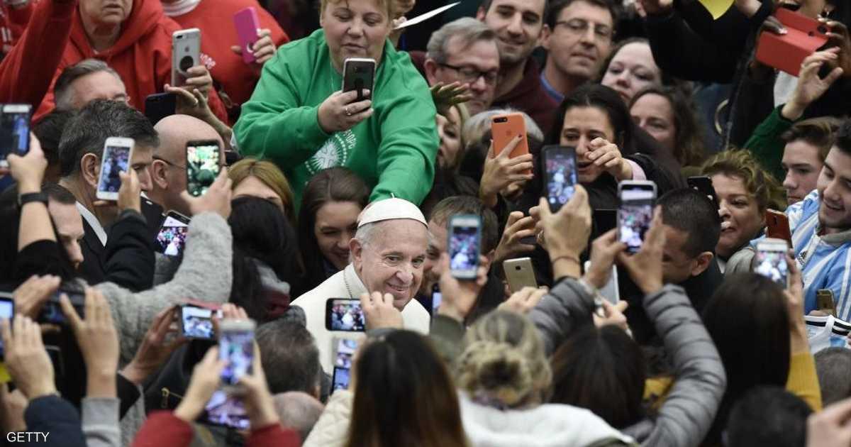 خزانة ملابس الفاتيكان.. المعاني الخفية لرداء البابا