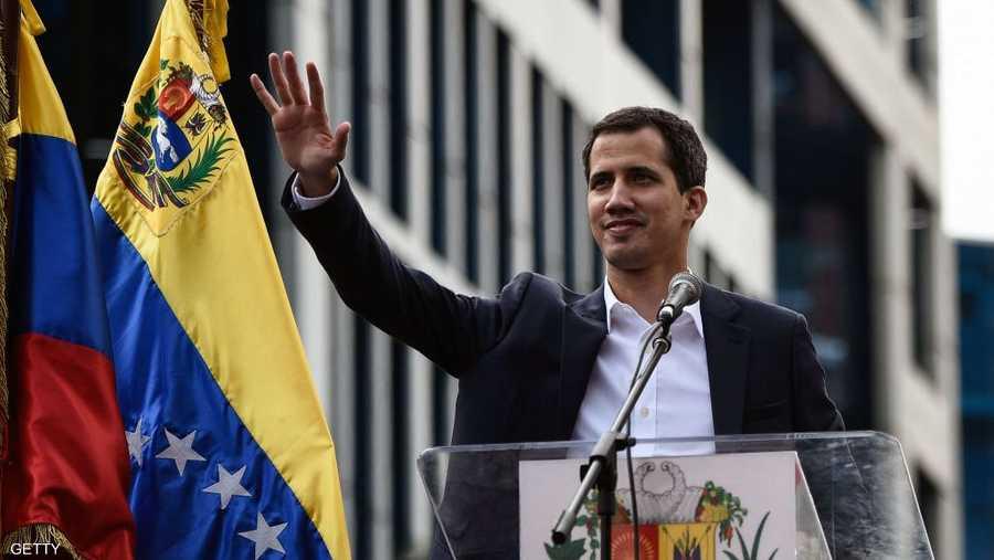 واتهم مادورو رئيس البرلمان المعارض، خوان غوايدو، بتنفيذ محاولة انقلابية، بعد أن نصب نفسه رئيسا بالوكالة لفنزويلا.