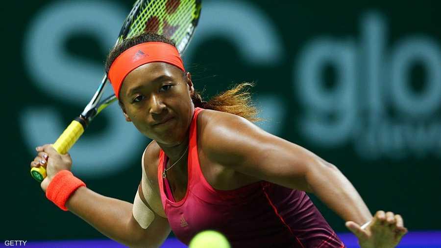 """تعد أول لاعبة تنس يابانية تفوز بدوري الفردي """"غراند سلام""""، بعدما تغلبت على سيرينا ويليامز في نهائي البطولة عام 2018."""