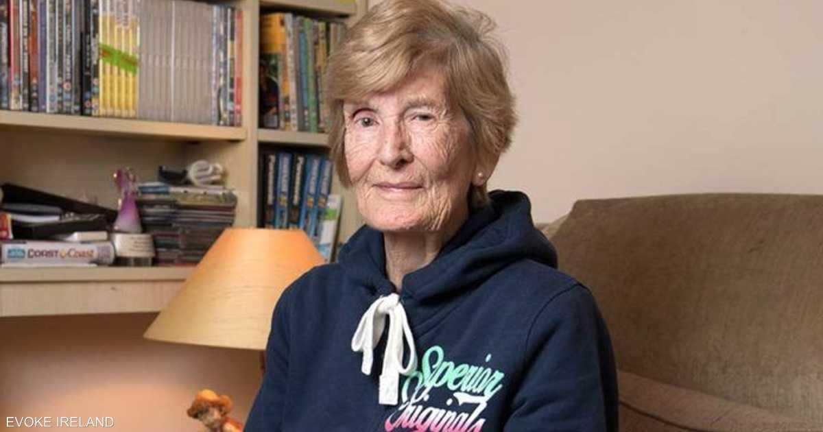 بعد بحث مضن.. تعثر على أمها وعمرها 103 أعوام