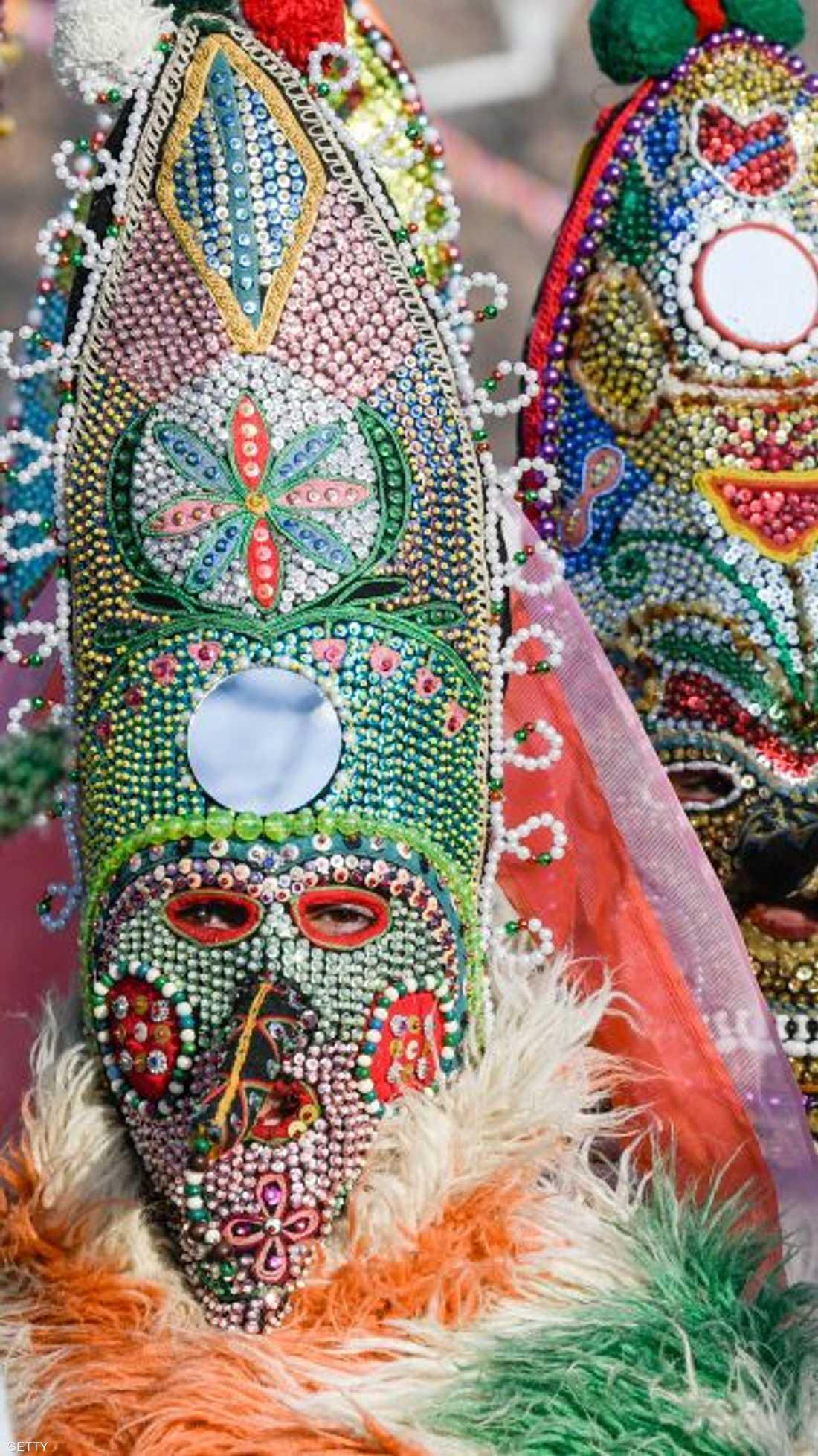 """ويطلق على المهرجان اسم """"سورفا""""، وهو أقدم مهرجان للأزياء التنكرية في بلغاريا الواقعة في منطقة البلقان"""