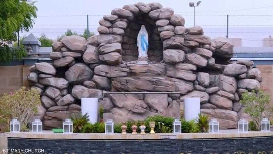 تفتخر كنيسة سانت ماري الكاثوليكية بذكرى افتتاحها على يد الراحل الشيخ راشد بن سعيد آل مكتوم في دبي نهاية الستينات من القرن الماضي.