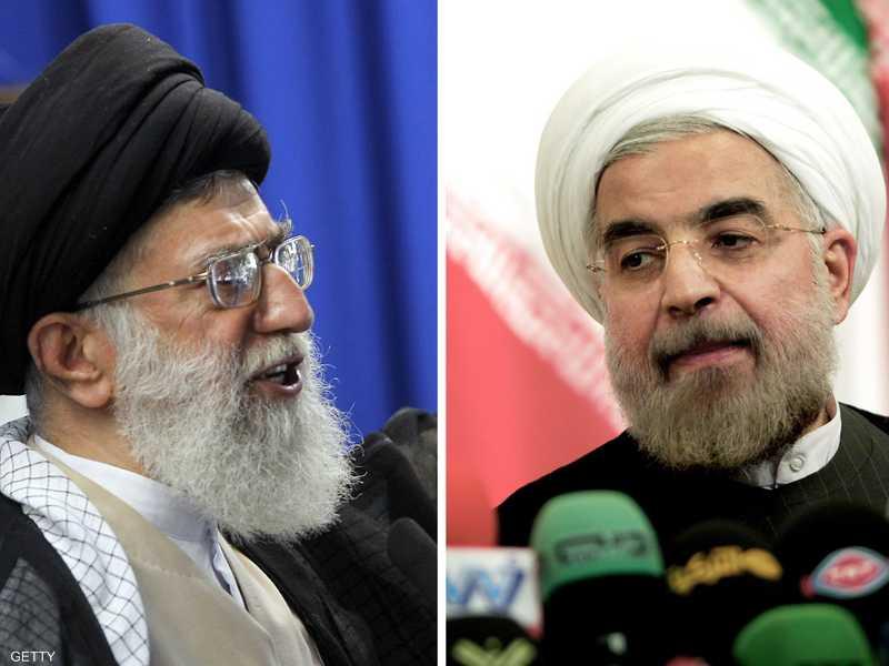الرئيس الإيراني حسن روحاني (يمين) والمرشد علي خامنئي (يسار)