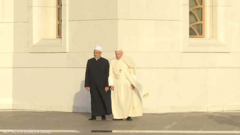 وصول بابا فرنسيس وشيخ الأزهر إلى جامع الشيخ زايد