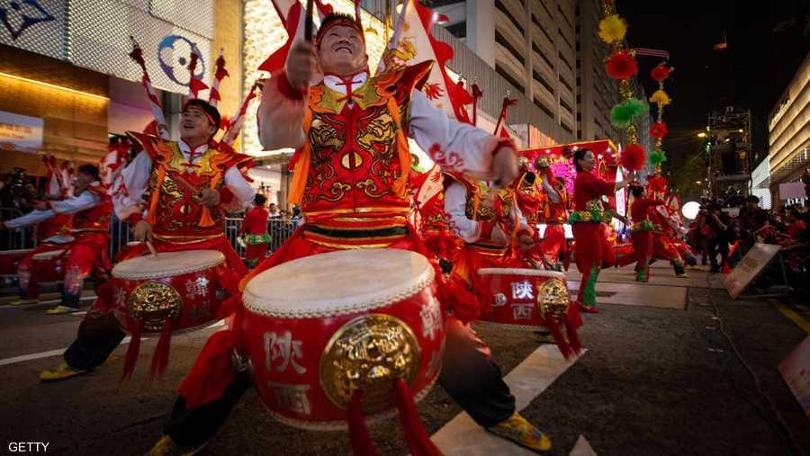 وللمشاركة في الاحتفالات ينتقل مئات ملايين الصينيين إلى ديارهم، في أكبر حركة نزوح داخلية يشهدها العالم.