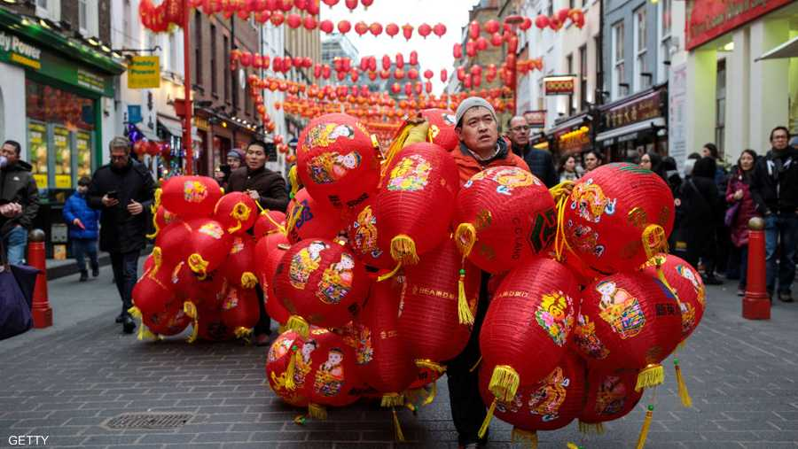 وتستمر الاحتفالات بهذا العيد حتى الـ 15 من الشهر الأول حسب التقويم القمري الصيني.