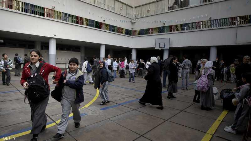 انتحار يهز لبنان مصاريف الدراسة تحرق أبا والوزارة ترد, 1-1225711.jpg