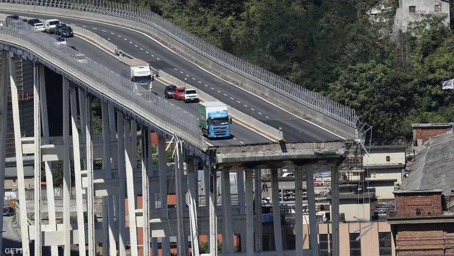 انهيار الجسر أثار جدلا بشأن البنية التحتية للطرق في البلاد.