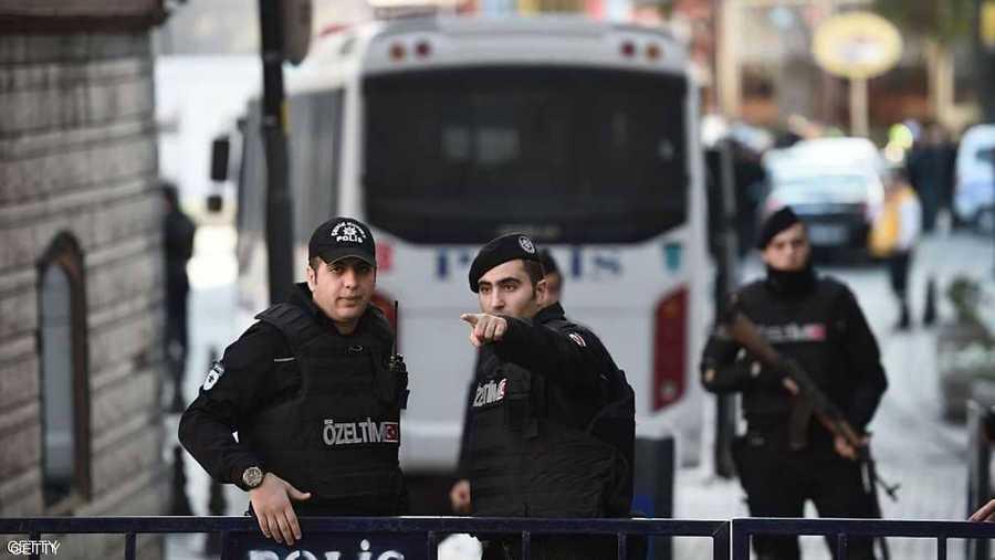 مذكرات اعتقال بحق أكثر من ألف شخص بتركيا