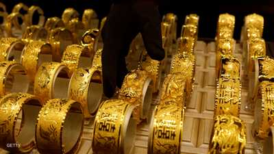الذهب يتراجع مع صعود الدولار والأسهم
