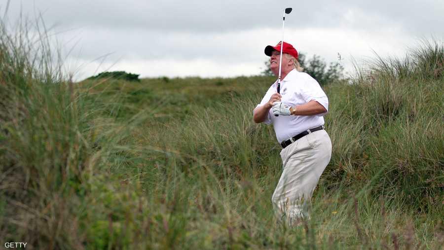 يمتلك ترامب عددا من نوادي الغولف داخل الولايات المتحدة