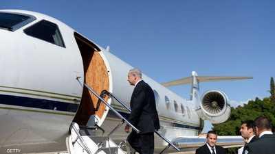 طائرة وجرار يجبران نتانياهو على البقاء في بولندا