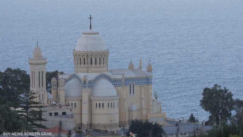 جزائري يسطر أسمى معاني التعايش والتسامح