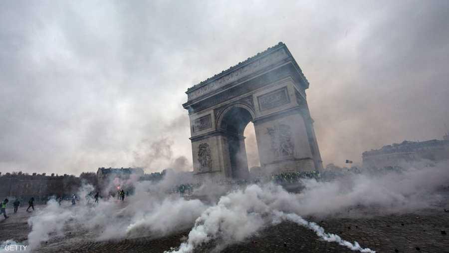 """قال وزير الداخلية الفرنسي، كريستوف كاستانير، إن """"هذه الحركة لم تعد تطالب بشيء""""."""